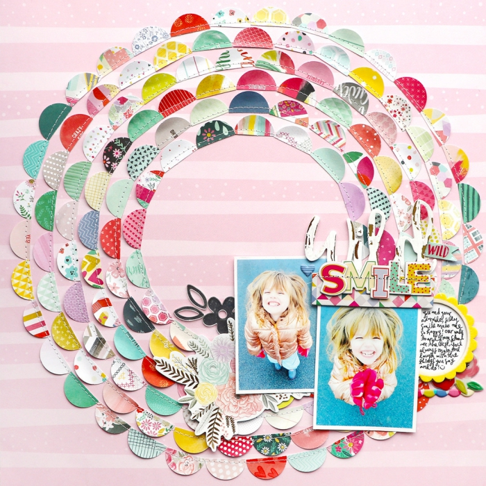technique scrapbooking pour faire un décor avec ses photos, feuille rose avec soleils en coupures de tissu et photos fille