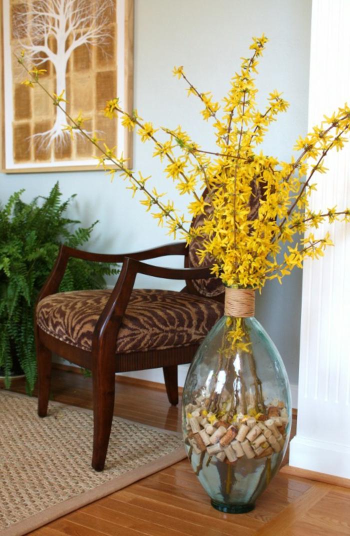 Grande vase verre cool idée déco de maison avec bouchons de liège