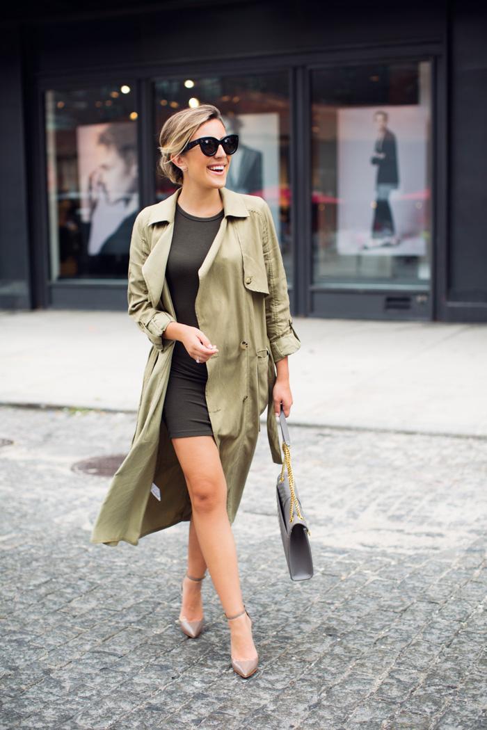 allure élégante avec un manteau long femme en kaki et une robe classuey