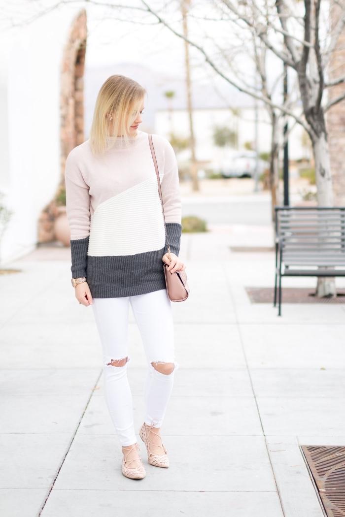 style vestimentaire femme, pull en nuances neutres avec pantalon blanc troué sur genoux, sac à main et chaussures en beige
