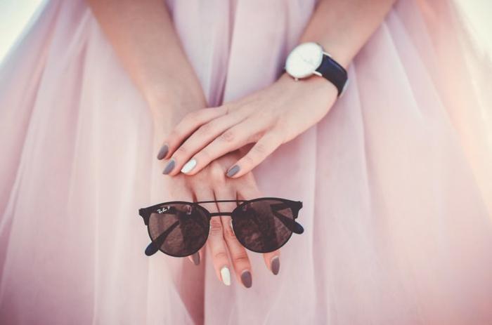 gris matte nail designs mat nailpolish nails matte gris et blanc jolie combinaison