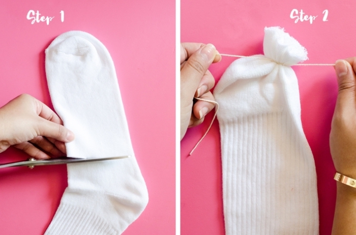 bonhomme de neige en laine, étapes à suivre pour fabriquer une figurine décorative pour Noel en chaussette blanche