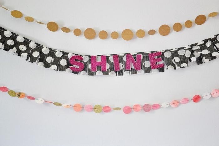 art du papier, comment décorer la chambre fille avec une guirlande multicolore en papier