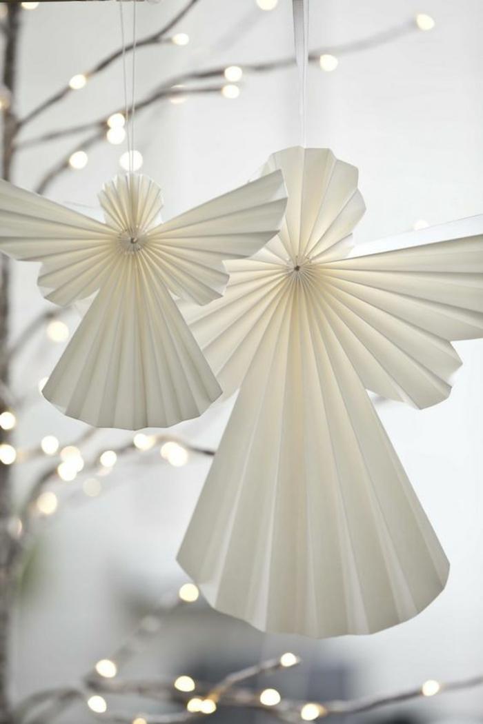 bricolage de noel, anges blancs en papier, pour suspendre sur les branches dans le centre de la table ou sur le sapin, en formes plissées, papier plissé