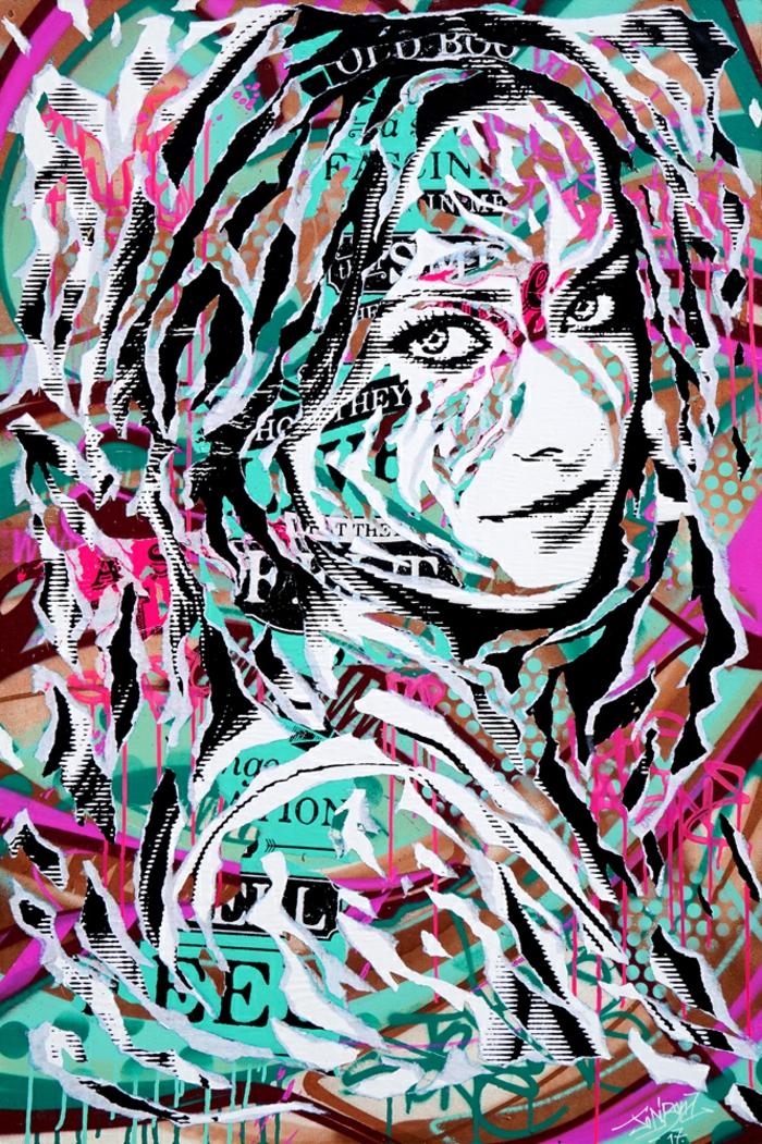 contemporain art technique découpage de phrases et des mots dans des magazines et des journaux, sur le portrait d'une belle femme souriante