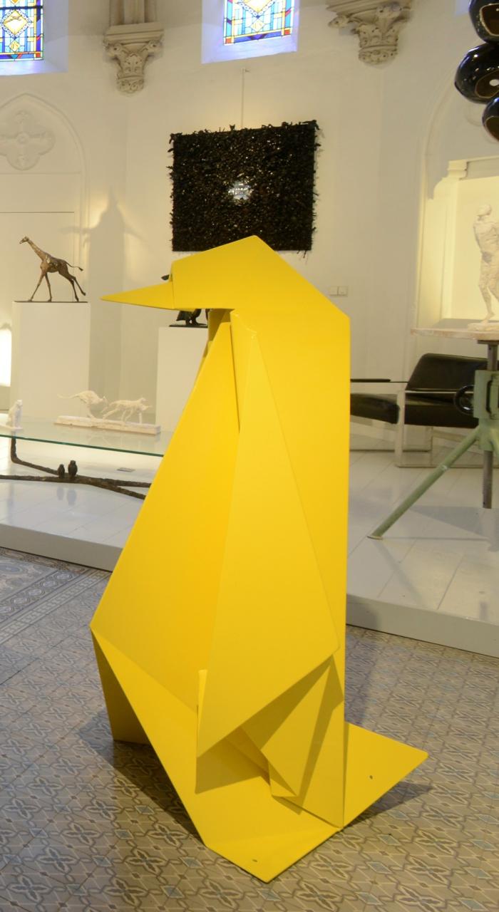 contemporain art artiste contemporain Mohamed Kahouadji Origami Pinguin à une exposition