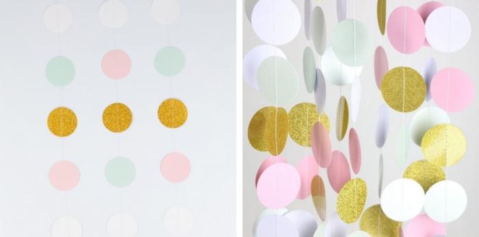 loisir creatif, petits cercles fabriqués de papier et colorés avec peinture paillette dorée à fixer avec fil blanc