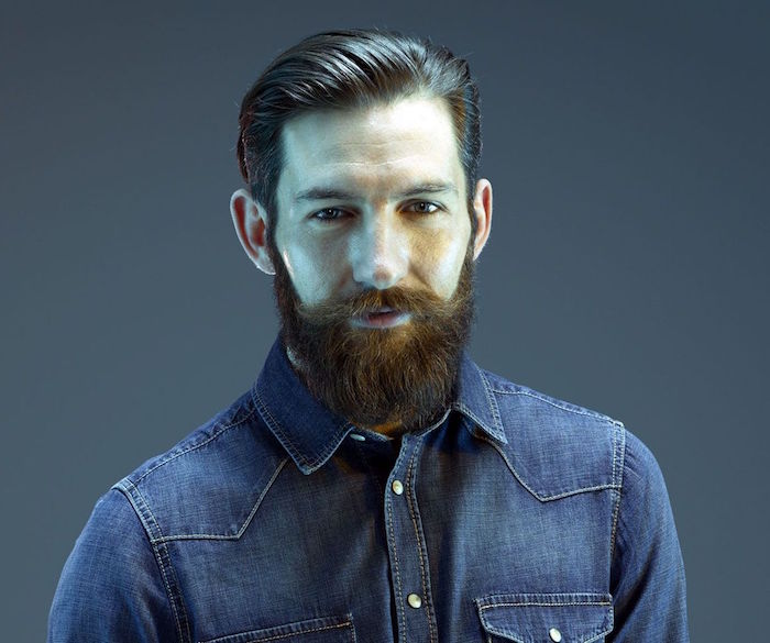 tailler barbe de hipster carre coupe pompadour homme