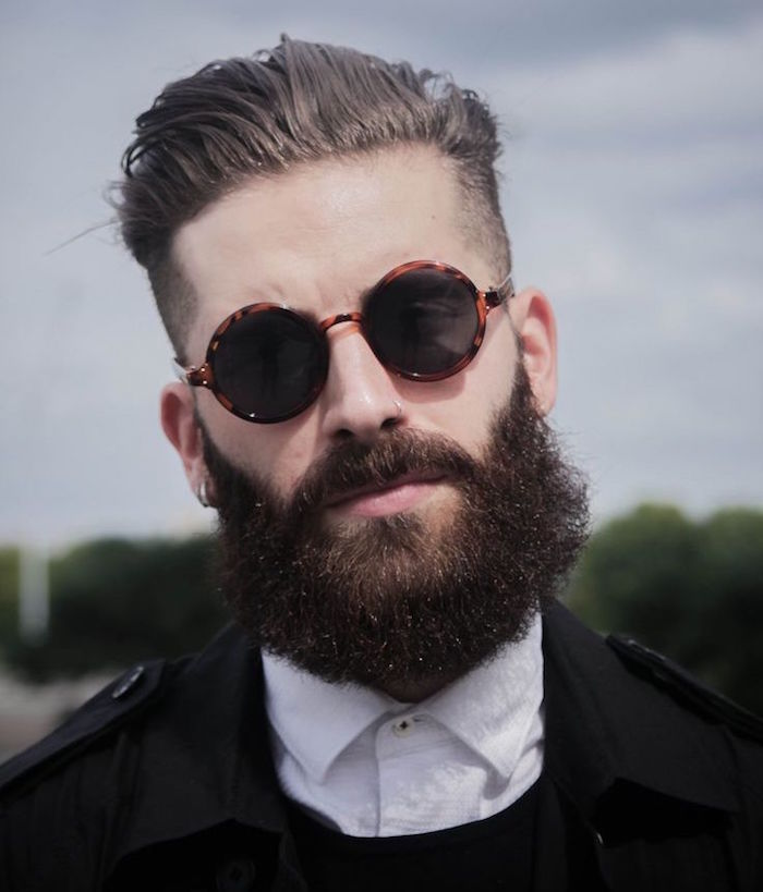 avoir une grosse barbe longue entretien lunettes retro