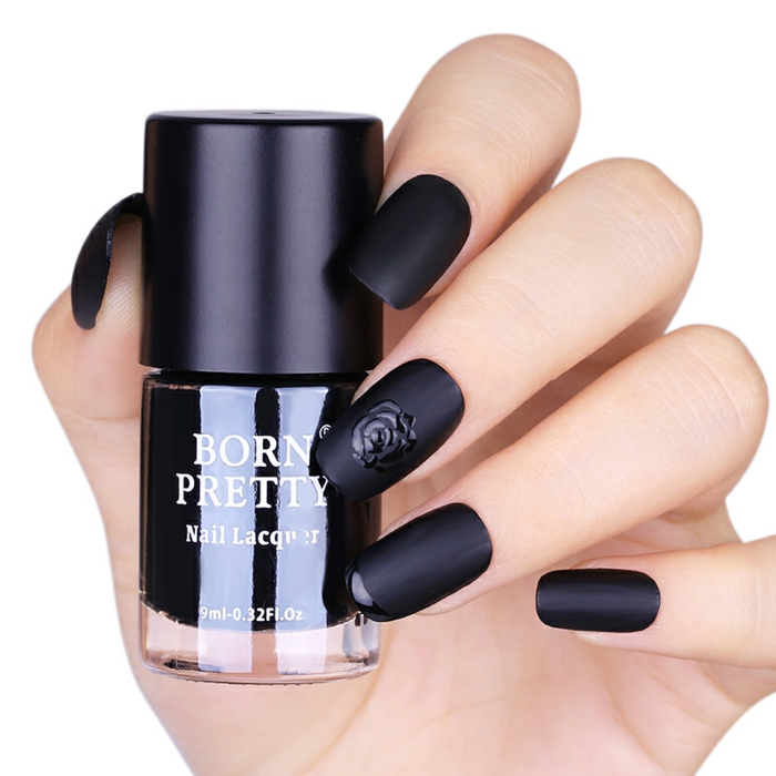 Black matte nail designs mat nailpolish nails matte noir et rose brillante détaille pour manucure originale