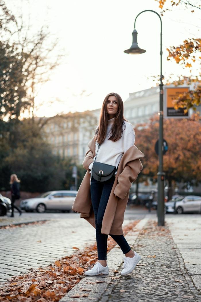 Idée tenue soirée pantalon look décontracté femme bien habillée manteau automne tenue