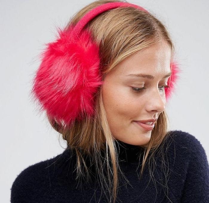 cache oreilles rouge et rose, accessoire femme original, idées cadeaux noel femme