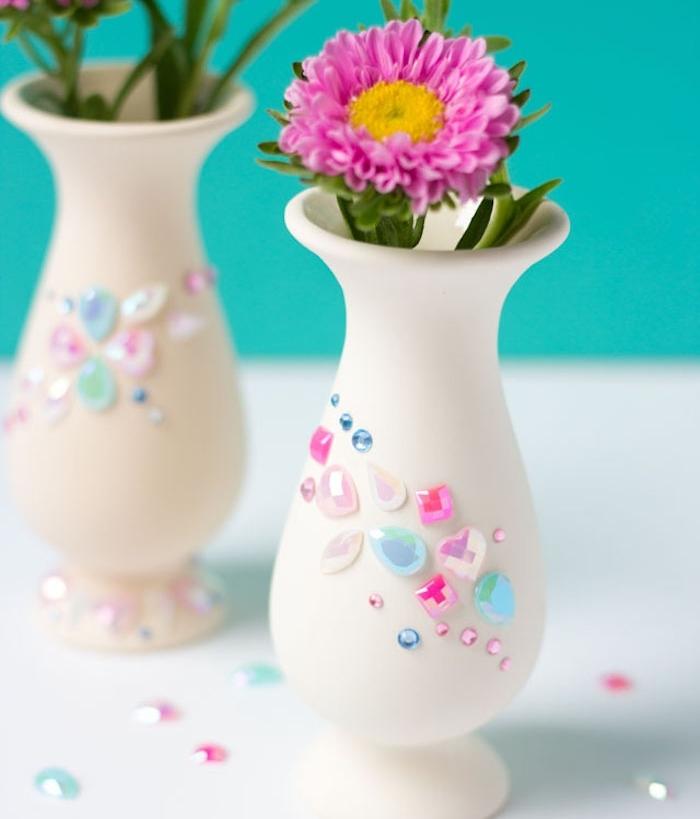 cadeau anniversaire femme et cadeau femme noel, vase de fleurs personnalisé de perles et pierres décoratives colorées