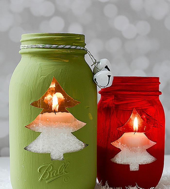 cadeau de noel a fabriquer un bougeoir en pot en verre repeint en rouge et vert avec bougies et sel imitant la neige a l interieur