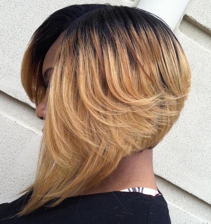 carré plongeant long blond femme afro cheveux lisses