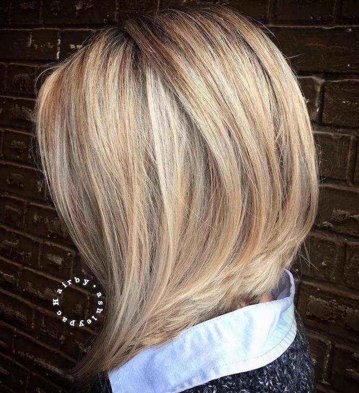 carré long plongeant blond lisse raide