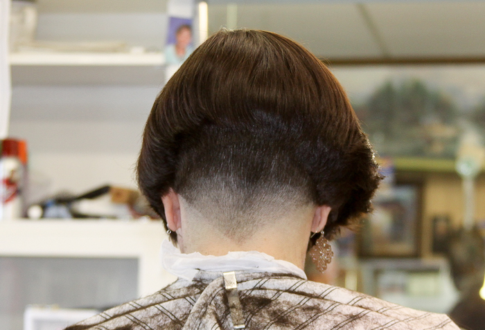 coiffure femme carré plongeant court modele de coupe degradé