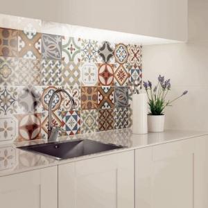 La cuisine avec carreaux de ciment - plus de 80 exemples et conseils pour l'aménagement parfait