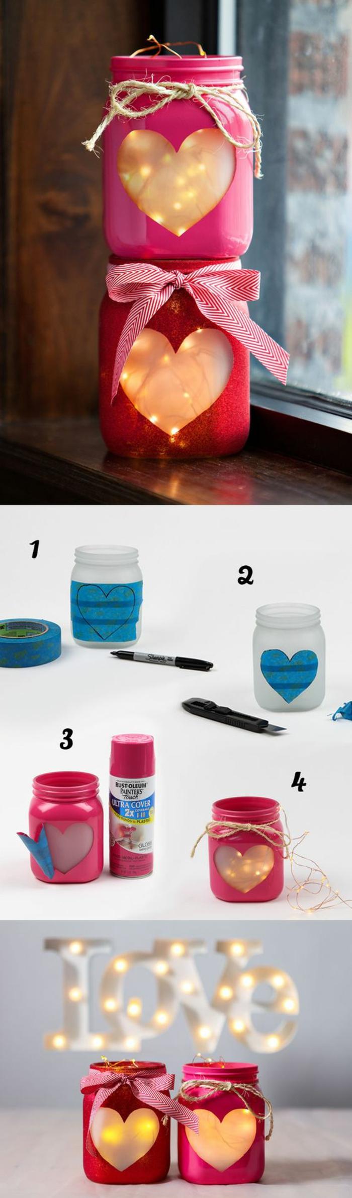 bricolage de noel avec deux pots de confiture de taille moyenne, décorés de grands cœurs devant, pour y mettre des bougies ou des guirlandes