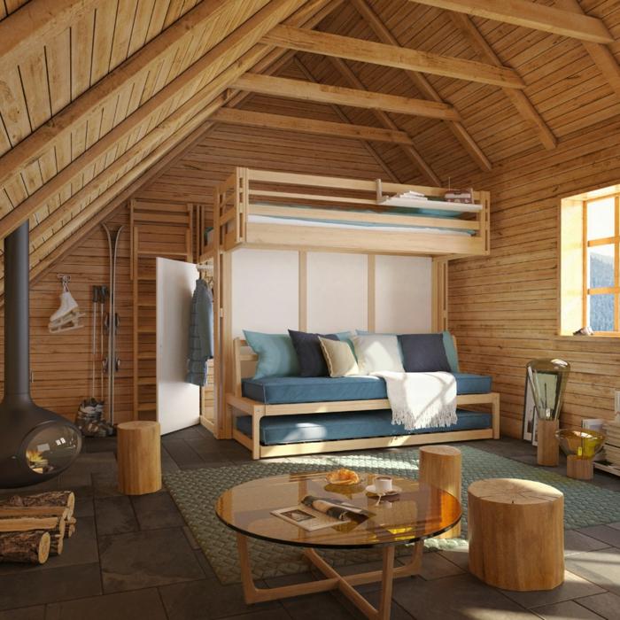 chalet style traditionnel, lit surélevé, sofa lit avec deux lits superposés, cheminée