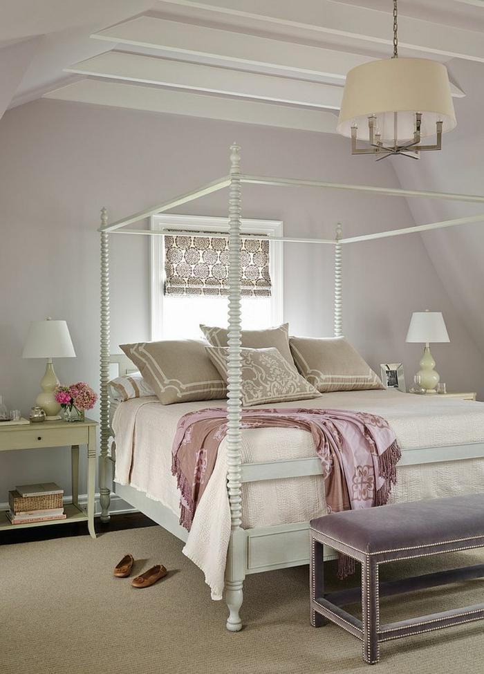 chambre de luxe moderne, murs gris, lit baldaquin, tapis taupe, banquette de lit grise