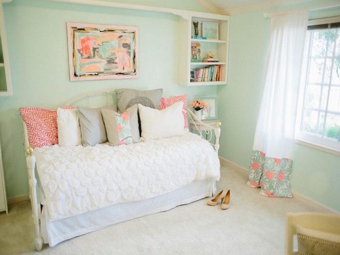 chambre fille couleurs pales vert rose