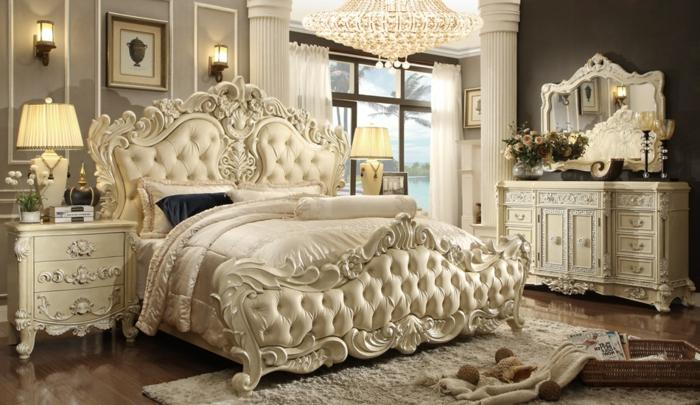 chambre romantique, chevet ornementé, commode coifffeuse avec grand miroir