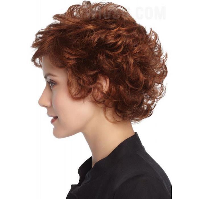 cheveux courts frisés coupe de cheveux bouclés femme cheveux court frisé