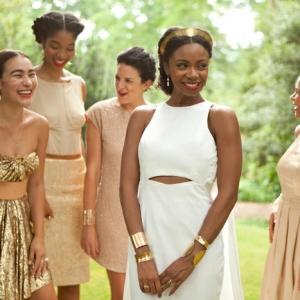 Ruée vers l'or - comment adopter la robe dorée tendance