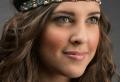 Choisissez une coiffure headband parmi les nombreuses propositions en photos