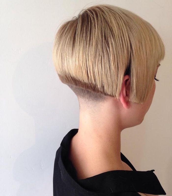 coupe de cheveux carré court plongeant avec nuque courte degagée tendance vintage
