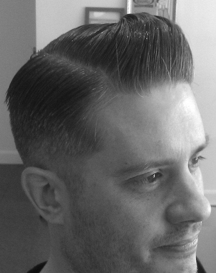 coiffure leonardo di caprio dégradé rétro pompadour haircut