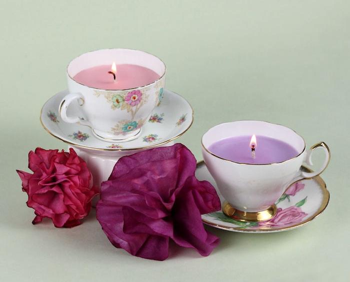 idée cadeau maman pur noel, tasse à thé shabby chic transformée en bougeoir avec de la cire aromatique
