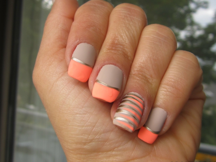 Idée comment faire du vernis noir nail art with matte tendance orange beige et details dores