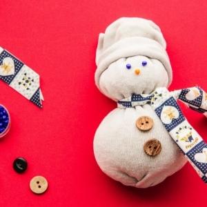 Le bonhomme de neige en chaussette - 90 tutoriels et modèles incroyables