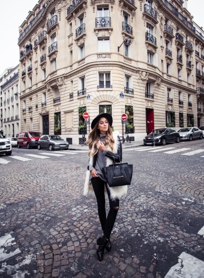 trouver son style vestimentaire, pantalon slim noir combiné avec pull gris et manteau en cuir et faux fur noir et blanc