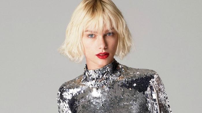 modele de coiffure, coupe courte pour cheveux blonds, coloration blond avec reflets dorés sur le haut