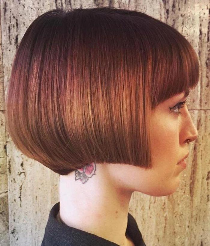 modèle de coiffure carré plongeant dégradé femme