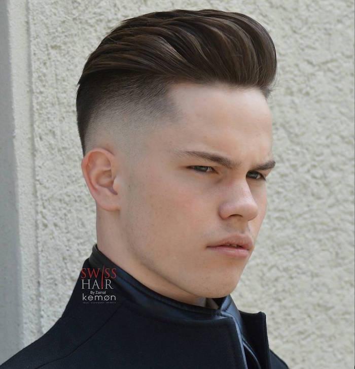 coupe de cheveux en arrière homme dégradé américain ras