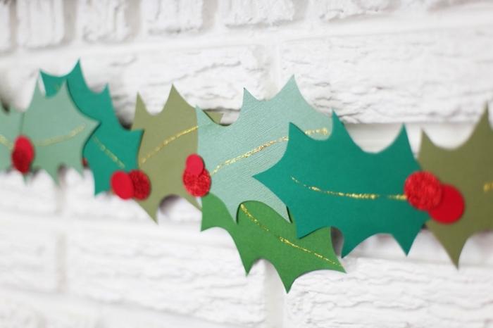 guirlande de noel a faire soi meme, comment fabriquer une décoration facile pour Noel en papier et peinture dorée
