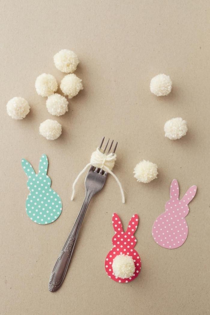 comment faire des pompons, diy guirlande décorative pour Pâques avec lapins en papier coloré