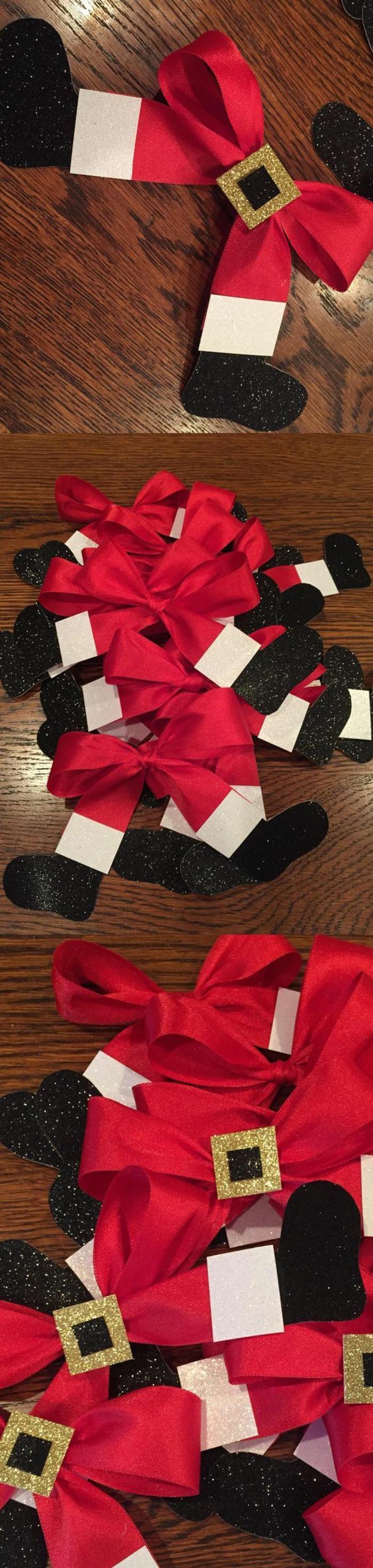 activite manuelle noel, des nœuds en forme de pieds du père Noël, des bottes noires, ceinture dorée, des nœuds pour décorer des cadeaux ou les branches du sapin, des détails sympa pour faire plaisir, pour poser sur toutes les surfaces
