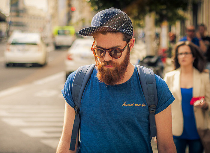 comment avoir une grosse barbe rousse homme hipster