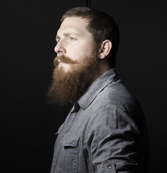 mode barbe longue taillée cheveux courts