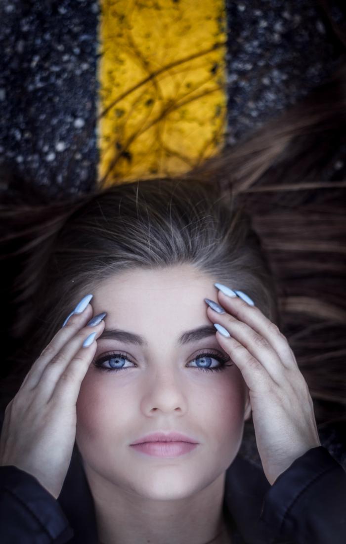 Vernis à ongles effet mat manucure beauté féminine photo manucure originale