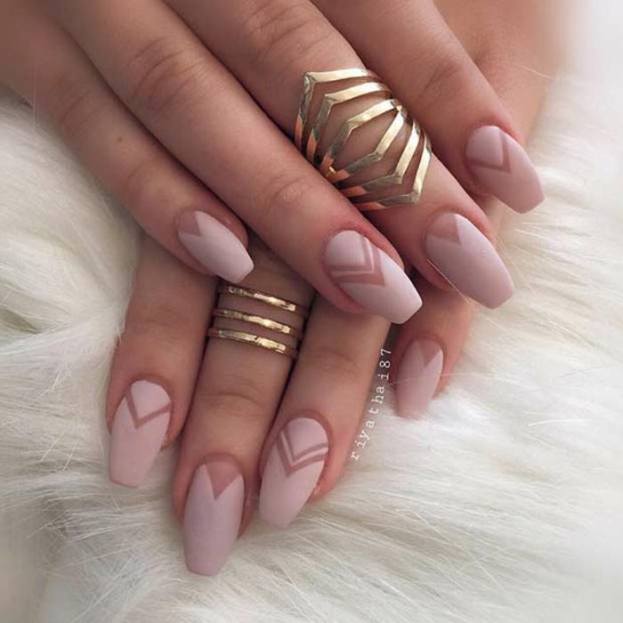Déco ongles vernis effet mat nail arts décoratif ongle rose matte originale