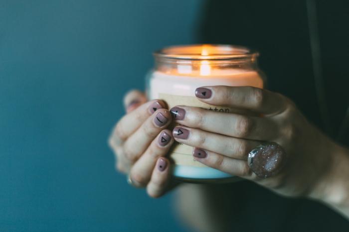 Faire du nail art vernis ongles mat modèles nail art ongles bougie aromatisé