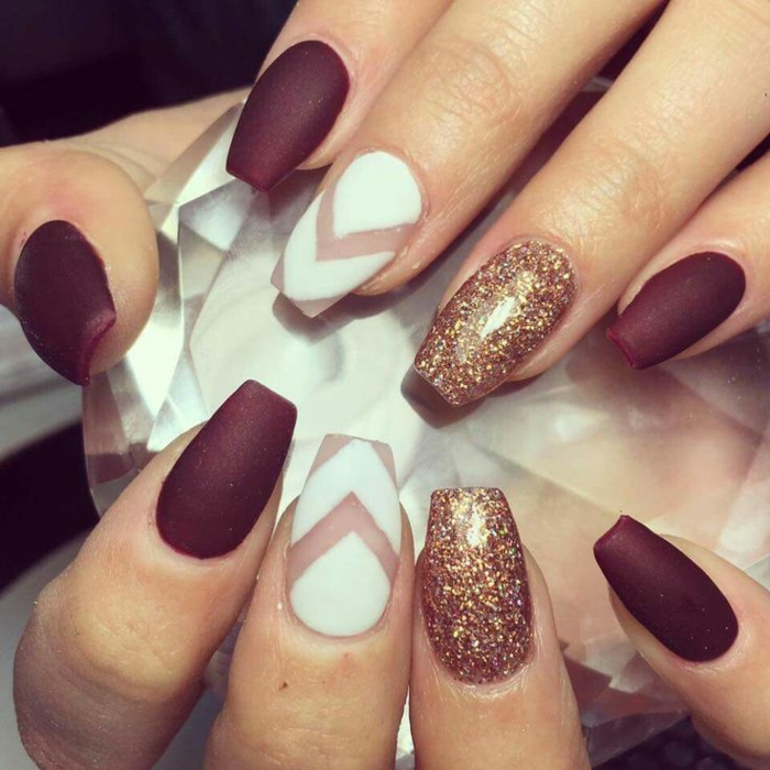 Nail art ongle blanc