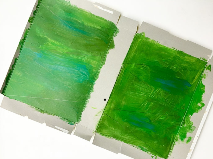 faire un sapin en carton avec des boites de céréales peintes, bricolage créatif pour noel