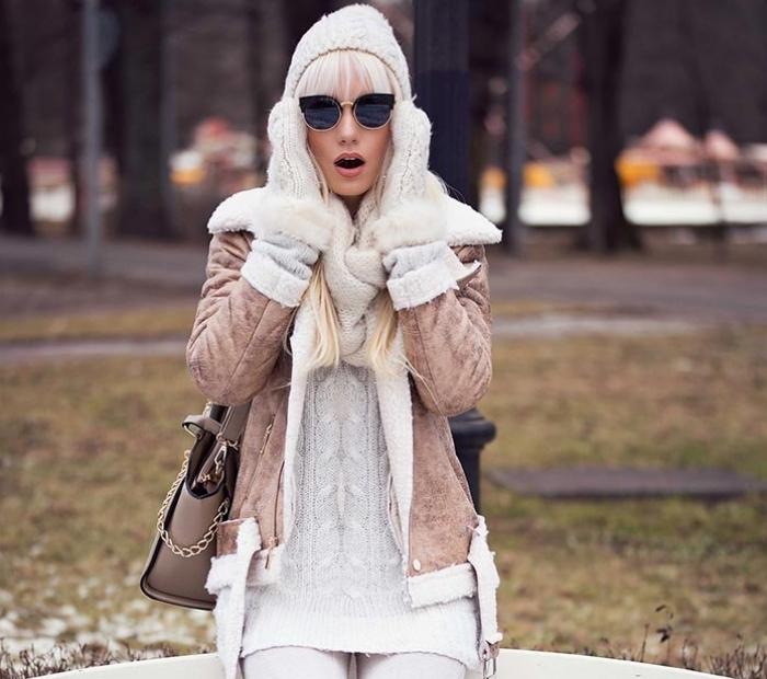tenue hiver, coiffure de cheveux longs et gris avec frange droite, gants et bonnet en blanc pour femme